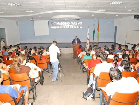 Exposición en la Universidad Domingo Savio