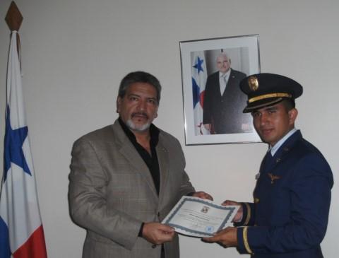 Visita de Subtenientes Panameños
